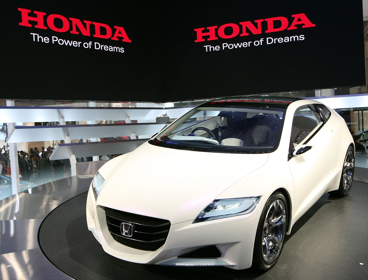 http://gustomobil.files.wordpress.com/2009/06/honda_cr-zstskua8tmd.jpg